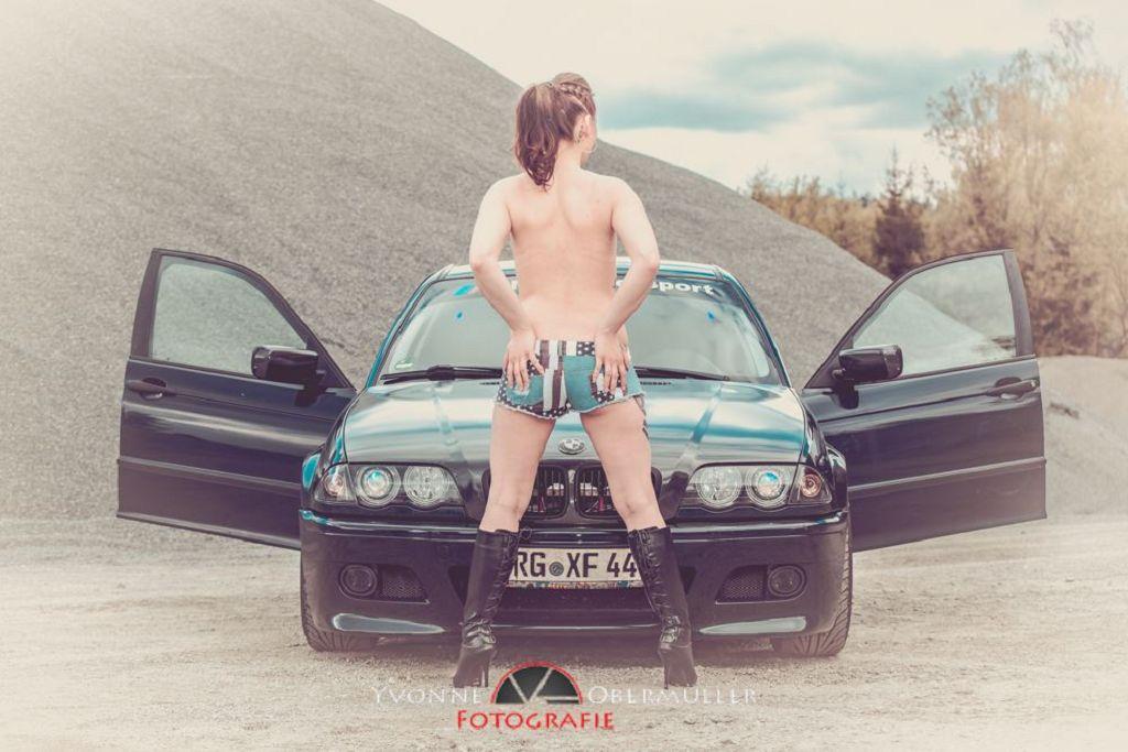 Aktfoto, Auto, BMW, Dessousfotoshooting, Erotik, Fotografin Niederbayern