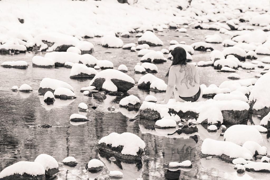 Aktfoto, Dessousfotoshooting, Winter, Schnee,Erotik, Fotografin Niederbayern